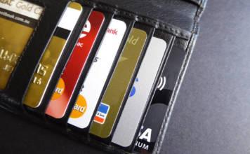 Ubezpieczenie assistance do kart płatniczych, czyli kup sobie święty spokój